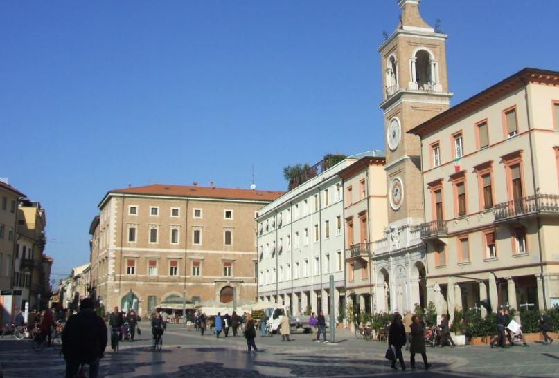 Rimini, Plaza Cavour