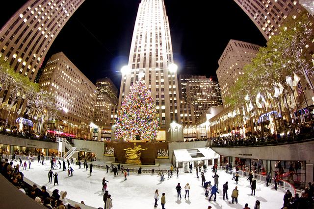 Rockefeller Center enamorados de patinaje
