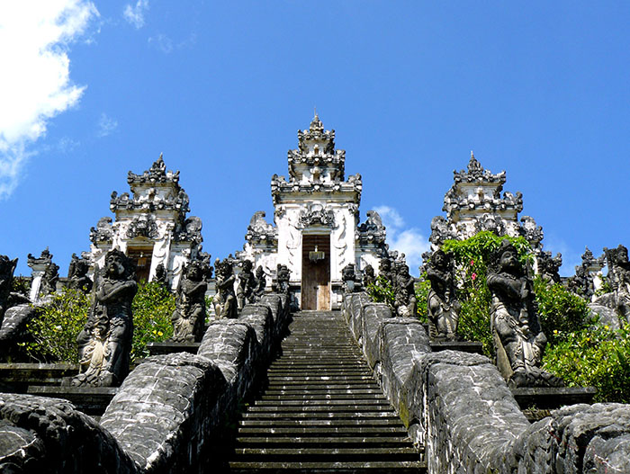 templo en Bali aventuras