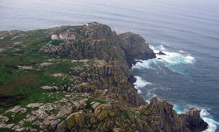 Vista aerea del Faro de las Islas Sisargas