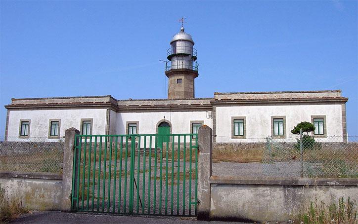el Faro de punta Larino carnota