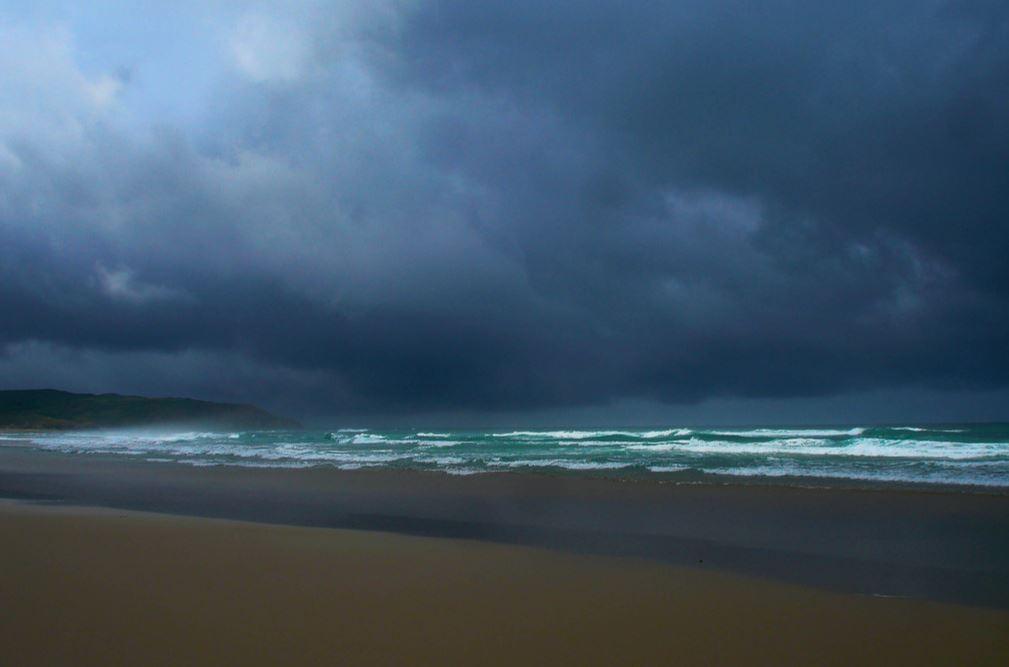 tormenta playa rostro