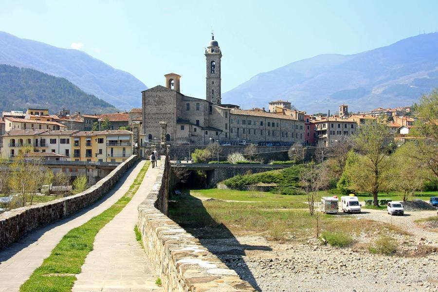 pueblos con encanto en italia Bobbio
