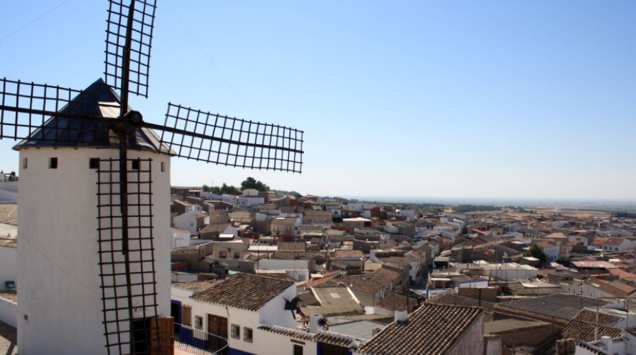 Los 13 pueblos m s bonitos de castilla la mancha viaturi - Unifamiliares ciudad real ...