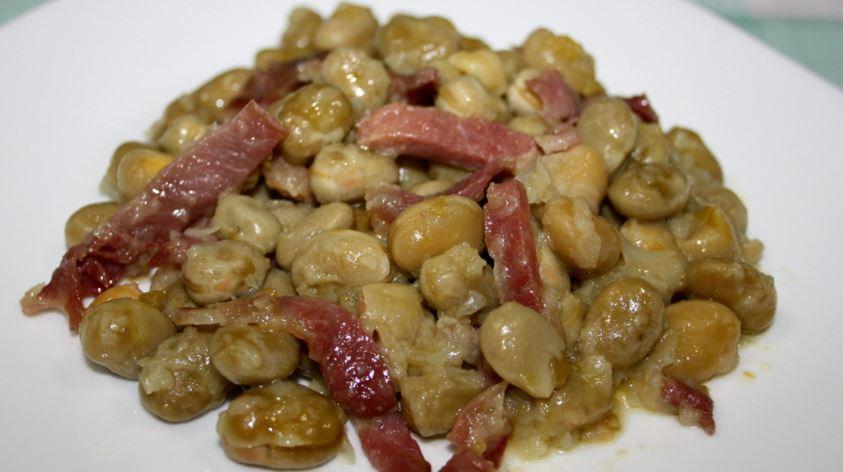 comidas tipicas de granada Habas con jamón