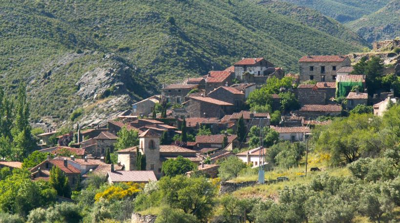 pueblos bonitos cerca de madrid Patones De Arriba