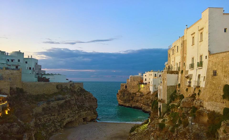 Polignano A Mare los pueblos más bonitos de italia