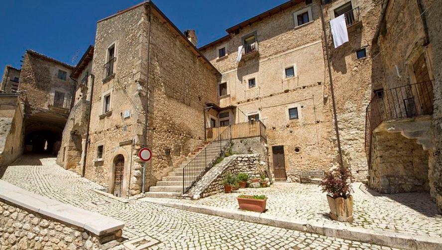 pueblos medievales de italia Santo Stefano Di Sessanio