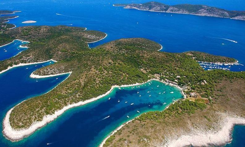Islas Pakleni playas