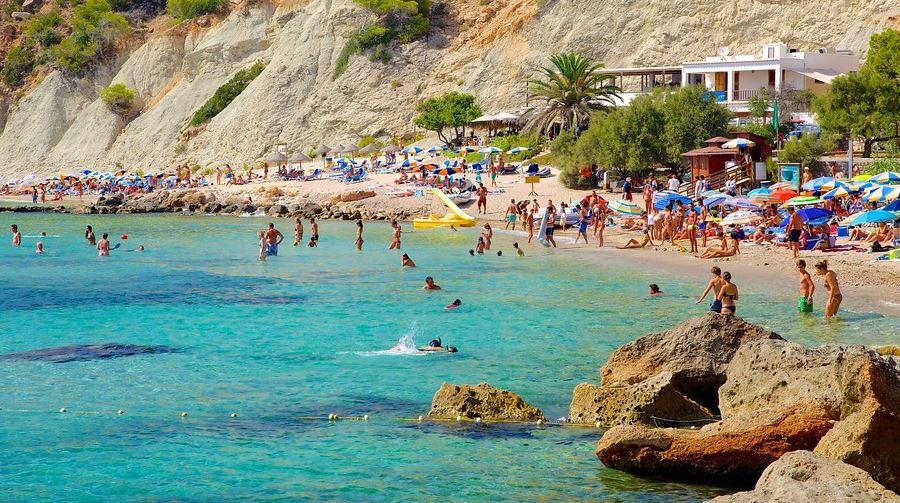 Playa de Cala d Hort