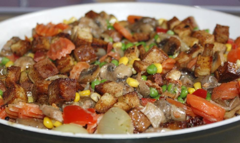 Sisig de cerdo plato tipico de filipinas