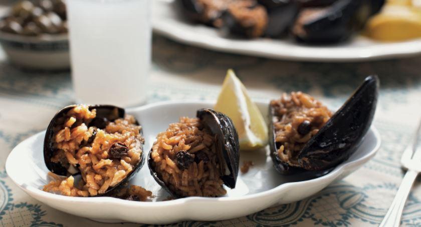 Turkish Stuffed Mussels