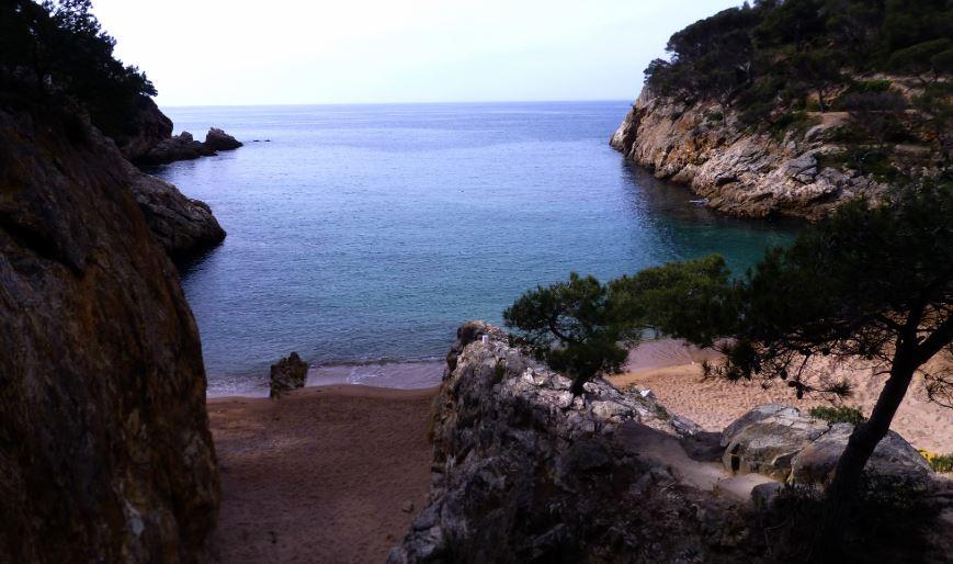 cala pola las mejores playas de gerona
