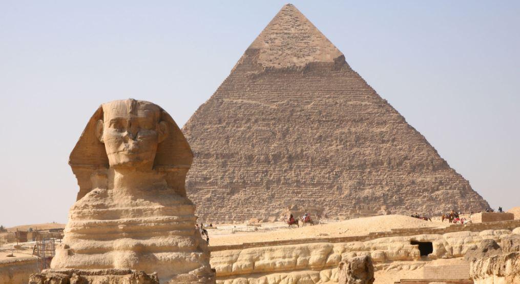 Esfinge y la Gran Piramide de Guiza